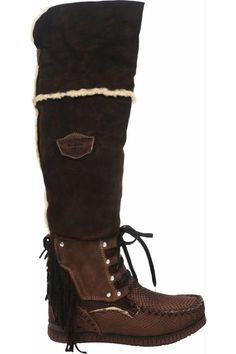 Handmade suede boots by El Vaquero stitching on the nose and scales motif. Love Affair, Amai, Suede Boots, High Boots, Combat Boots, Slippers, Bikini, Navajo, Brown