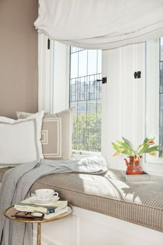 chic little reading nook