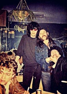JOEY RAMONE (Ramones), LEMMY (Motörhead), CHARLIE HARPER (U.K. Subs, The Urban Dogs) : a picture of a Ramones/Motorhead/Subs get together, from an unknown date(1982/83??)