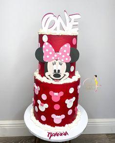 "𝐐𝐮𝐚'𝐓𝐞𝐬𝐡𝐚 𝐅𝐞𝐥𝐝𝐞𝐫•𝗖𝗮𝗸𝗲 𝗗𝗲𝘀𝗶𝗴𝗻𝗲𝗿 on Instagram: ""ᴍɪɴɴɪᴇ ᴍᴏᴜꜱᴇ ʙᴜᴛ ᴍᴀᴋᴇ ɪᴛ ʀᴇᴅ ❤️ : : : : : : : : : : : : : : : : : : : : : : : : : : #cakesbae #birthdaycake #cake #minniemousecake…"" Minnie Mouse Cake, Custom Cakes, 2nd Birthday, Instagram, Design, Personalized Cakes, Personalised Cake Toppers"