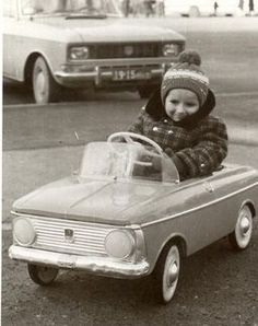 Pedal cars were in their prime in Canada between the two World Wars with Sears & Eatons carrying many popular models in their catalogues. This is the time period when Canadians began their love affair with the automobile. These vintage pedal cars,