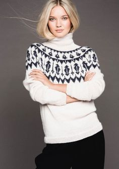 strikk i ullgarn istedet for alpakka! Nordic Pullover, Nordic Sweater, Icelandic Sweaters, Loom Knitting Patterns, Knit Fashion, Sweater Weather, Knitwear, Knit Crochet, Sweaters For Women