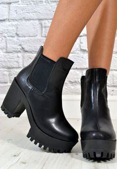 Ladies Chunky Grip Platform Heel Biker Ankle Boots in BLACK from NaomiShu