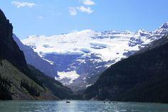 A Hike to the Lake Agnes Tea House at Lake Louise #travel