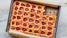 Round Cake Pans, Round Cakes, Roasted Strawberries, Acidic Foods, Oil Cake, Make Ahead Breakfast, Breakfast Ideas, Breakfast Recipes, Strawberry Cakes