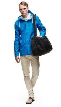 The Jacket style is a modern interpretation of the classic rain jacket. A light-weighted fabric, with an elegant mat surface makes it comfortable to wea. Rain Gear, Mens Trends, Jacket Style, London Fashion, Rain Jacket, Windbreaker, Raincoat, Winter Jackets, Mens Fashion