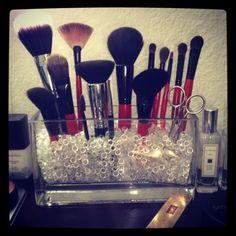 Skipuleggja make-up burstana Makeup Storage For Bathroom Counter, Makeup Counter, Home Design, Spa Design, Makeup Brush Storage, Makeup Organization, Organization Station, Diy Bathroom Decor, Diy Home Decor