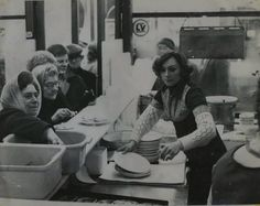 Serving up at G Kelly pie and mash shop, in Bow East London England London Cafe, Old London, Old Pictures, Old Photos, Vintage Photos, Pie And Mash, Roman Roads, Walks In London, East End London