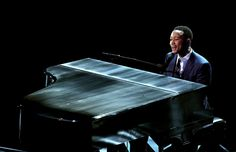 Watch John Legend Bring 'La La Land' to Life at 2017 Oscars Faye Dunaway, John Legend, Emma Stone, Oscars 2017, Upcoming Concerts, Donny Osmond, Piano Man, Stevie Wonder, Paul Mccartney