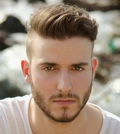 Men's Modern Haircuts 2017 - Hello there fellows! Today I bring you a stunning compilation of men's modern haircuts to try this year. Top Hairstyles For Men, Stylish Mens Haircuts, 2015 Hairstyles, Undercut Hairstyles, Summer Hairstyles, Haircuts For Men, Hairstyle Men, Haircut Men, Hairstyle Ideas