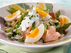 Parsa-savukalasalaatti Healthy Cooking, Cooking Recipes, Healthy Recipes, Healthy Food, Finnish Recipes, Fish Burger, Tasty, Yummy Food, Soul Food
