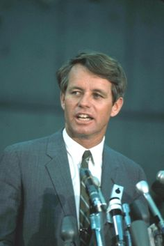 Robert Francis Kennedy  Kennedy appearing before the Platform Committee, 1964 United States Senator from New York In office January 3, 1965 – June 6, 1968  ❁❤❤❤❤  ❤❁  http://en.wikipedia.org/wiki/Robert_F._Kennedy