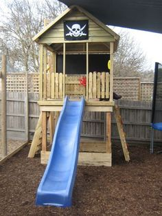 PIRATE OPEN CUBBY HOUSE FOR THE KIDS
