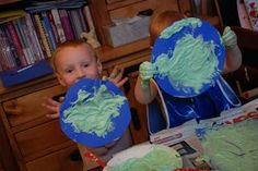 Preschool Crafts for Kids*: Earth Day Puffy Paint Craft