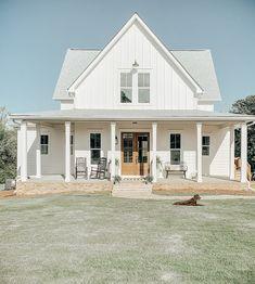 Southern Living House Plans, New House Plans, Dream House Plans, Gable House, Modern Farmhouse Exterior, Farmhouse Style, House Goals, Future House, Decoration