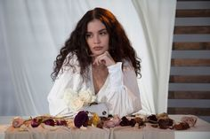 """R&B Singer Sabrina Claudio Premieres New """"Stand Still"""" Music Video - Vogue Fresh off her second project, Sabrina Claudio explores movement in her music video for """"Stand Still"""" and her newfound love for fashion. Classy White Dress, Sabrina Claudio, Texturizer On Natural Hair, Shower Dresses, Poses, Celebrity Look, Up Girl, Woman Crush, Textured Hair"""