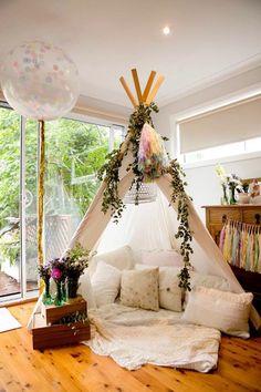 deko ideen winter tipi indianerzelt dekoration kissen blumen diy deko