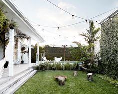 ev decor magnolia homes, byron beach и outdoor rooms Small Outdoor Spaces, Outdoor Areas, Outdoor Rooms, Outdoor Living, Byron Bay Beach, Houses Architecture, House Ideas, Magnolia Homes, Back Gardens
