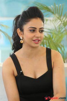 Bollywood Girls, Bollywood Actress, Most Beautiful Indian Actress, Beautiful Actresses, Beauty Full Girl, Beauty Women, Hot Seen, Sheer Beauty, Natural Beauty