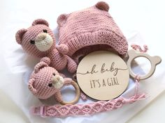Baby Gift Box, Baby Box, Baby Girl Gifts, Gifts For Expecting Parents, Crochet Bebe, Hat Crochet, Newborn Toys, Baby Christmas Gifts, Binky