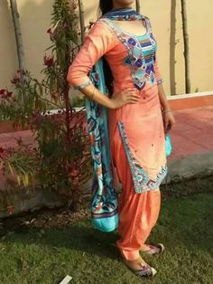 get this beautiful suit beautiful colour combination and embroidery… Indian Suits, Indian Attire, Indian Dresses, Indian Wear, Punjabi Girls, Punjabi Dress, Punjabi Fashion, India Fashion, Women's Fashion