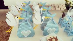 Deixe sua decoração incrível com esta linda caixinha Cegonha.  Podemos confeccionar em qualquer cor  Fazemos decoração completa personalizada. Consulte-nos