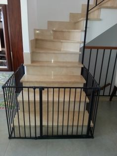 Barrera autocierre elegant barrera para ni os con sistema - Barandillas escaleras ninos ...