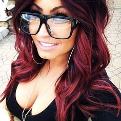 Trendy hair color highlights chunky love her ideas Pelo Color Borgoña, Red Colour, Hair Color Highlights, Cool Hair Color, Brown Hair Colors, Hair Dos, Gorgeous Hair, Beautiful Gorgeous, Pretty Hairstyles