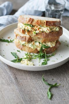 Imagen de food and egg salad sandwiches Food N, Food And Drink, Egg Salad Sandwiches, Salmon Burgers, Special Occasion, Snacks, Baking, Koti, Ethnic Recipes