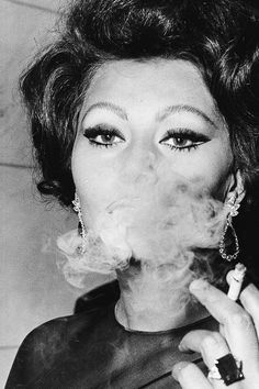 Sophia Loren | smoking | smoke | puff | black & white | glamorous | iconic | actress | www.republicofyou.com.au