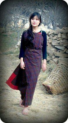 Bhutanese  dress Angel Art, Nepal, Laos, Culture, Indian, Royal Families, Globe, People, Traditional
