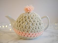 Fancy making a tea cosy? I've had a HUGE amount of cyber love for this tea cosy tutorial. And with Mothers Day just around the corner…I think it's the perfect gift! The video tutorial is up… View Post