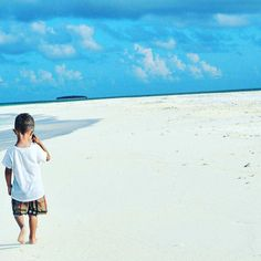 The Maldive Islands | Maldives  @dewayne.l #travel #holiday #tropical #playground #nice #wanderlust #vacation #blogger #bliss #maldiven #nature_perfection #paradise #nofilters #instaholiday #exotic #blue #niyama #worldtraveler #peraquum #travelblog #summertime #explore #view #nature #summerlovin #sunnysideoflife #perfect #island