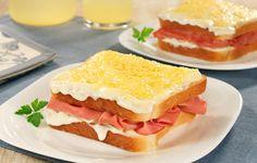 sanduiche de forno de mortadela.