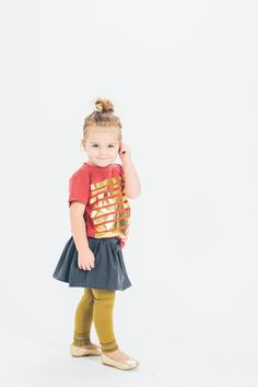 love these unique colored leggings Little Ones, Little Girls, Coloured Leggings, Toddler Leggings, Fashionable Kids, Toddler Girl Style, Photo Pin, Support Local, Girls Wardrobe