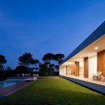 Casa Sifera, en Girona – ARQA Porches, Mansions, House Styles, Villas, Home Decor, Minimalist Home, Minimalist Architecture, Study, Style At Home