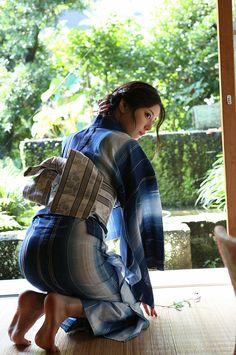 """thekimonogallery: """" In cotton yukata."""