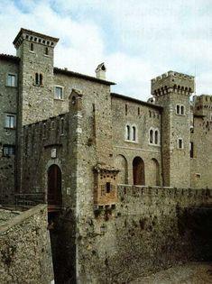 castello di Collalto Sabino (Rieti). 42°08′12.12″N 13°02′54.24″E