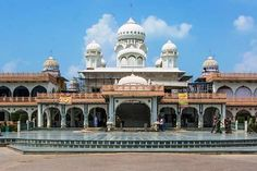Our Tour guide in Agra will conduct your sightseeing of the Taj Mahal, Agra Fort, Baby Taj and The Heritage Walk of the city.