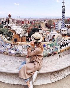 Definitely need to come back again in the summer so I don& have to wear a coat in Barcelona - - Wanderlust Travel, Travel Pictures, Travel Photos, Barcelona Spain Travel, Barcelona Fashion, Barcelona Outfit, Barcelona Pictures, Places To Travel, Travel Destinations