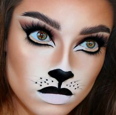 Are you looking for ideas for your Halloween make-up? Navigate here for cute Halloween makeup looks. Lion Makeup, Cat Makeup, Makeup Art, Fairy Makeup, Mermaid Makeup, Mermaid Hair, Leopard Makeup, Pretty Halloween, Halloween Make Up