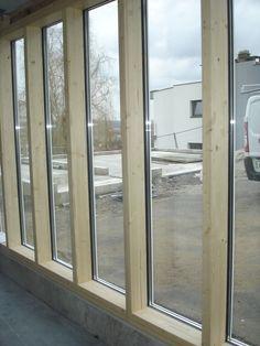 Menuiserie Schreiber : fabrication de mur rideaux en technique boi-alu Temporary Architecture, Rooftop, Divider, Windows, Wood, Inspiration, Furniture, Home Decor, Window Glass