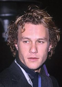 Check out production photos, hot pictures, movie images of Heath Ledger and more from Rotten Tomatoes' celebrity gallery! Heath Legder, Heath Bars, Infp Personality Type, Hair Tuck, A Knight's Tale, True Legend, Australian Actors, I Love My Friends, Celebrity Gallery