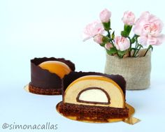 Chocolate Caramel Entremet Semispheres These Chocolate & Caramel Entremet Semispheres are not only very impressive but also delicious. Baking Recipes, Cake Recipes, Decadent Cakes, Romanian Food, Chocolate Caramels, Something Sweet, International Recipes, Food Cakes, Plated Desserts