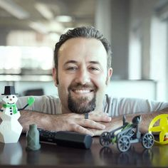 #TodayIMet Matt Morgan: Pluralsight author #3Dprinting extraordinaire and self-proclaimed #SOLIDWORKS Jedi. He's has 3D snowman production on lock and we can only assume light sabers and thermal detonators are up next - glad he's on our side! by pluralsight