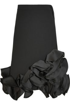 Victoria, Victoria Beckham – Ruffled duchesse-satin and crepe skirt - Stylish OMG Victoria Beckham, High Skirts, Crepe Skirts, Frilly Skirt, Ruffle Skirt, Moda Peru, Black Pink, Cropped Tops, Skirt Pants
