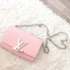 This bag would be perfect with the Bubblegum Pink #Lukluks #luxury #fashion #style #louisvuitton