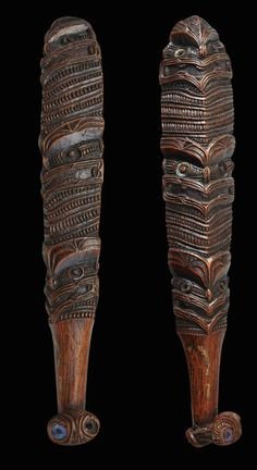 This article aims to help the reader understand and distinguish the different types of Maori Weapons. To understand Maori weapons and their intended specialized functions. Maori Tribe, Maori Patterns, Maori People, Polynesian Art, Maori Designs, Wood Carving Designs, Maori Art, Indigenous Art, Aboriginal Art