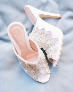 "113 Likes, 10 Comments - Lauren Hartman (@trousseaustyle) on Instagram: ""These #bridalmules from @emmyshoes shoes have us speechless  #trousseaustyle #thebridalstylist…"""
