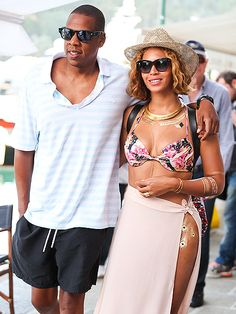 Star Tracks: Monday, September 8, 2014 | Love On the Run | Beyoncé rocks some impressive body paint as she and husband Jay Z celebrate her 33rd birthday in Portofino, Italy, on Saturday.